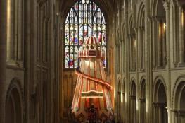 زحلوقة لجذب الزائرين إلى كاتدرائية بريطانية!