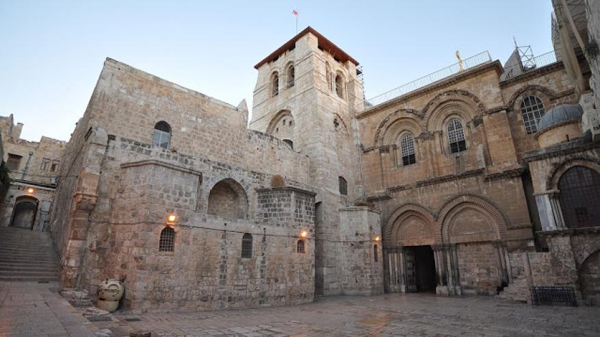 1200px-The_Church_of_the_Holy_Sepulchre-Jerusalem