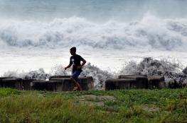 """إعصار مانجكوت """"الخارق"""" يضرب الفلبين"""
