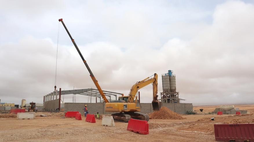 جانب من الأعمال في مشروع تطوير البنية الأساسية لريسوت 2