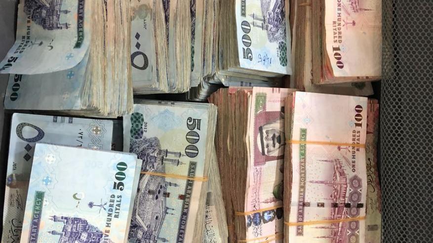 عصابة تسرق 25 مليون ريال وتقتل سعوديا
