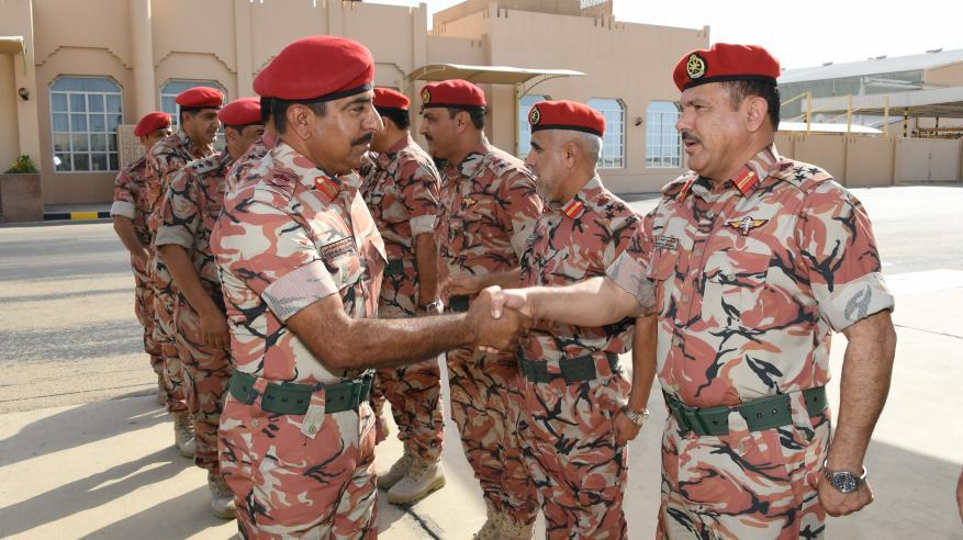 قائد الجيش السلطاني العماني يتوجه إلى الإمارات