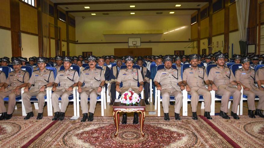 حفل تسليم الشهادات الدراسية للضباط الخريجين 1
