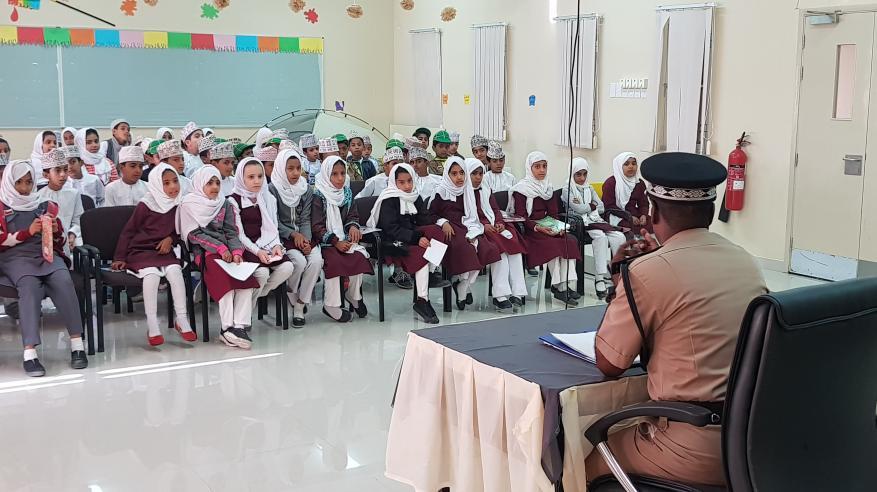 الشرطة تنظم عددا من المحاضرات التوعوية لطلاب المدارس