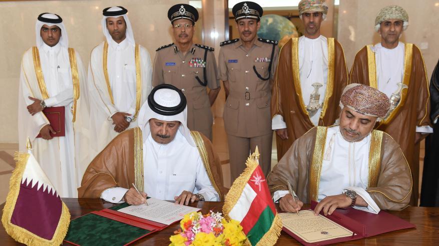 السلطنة وقطر تتبادلان وثائق التصديق على اتفاقية التعاون الأمني