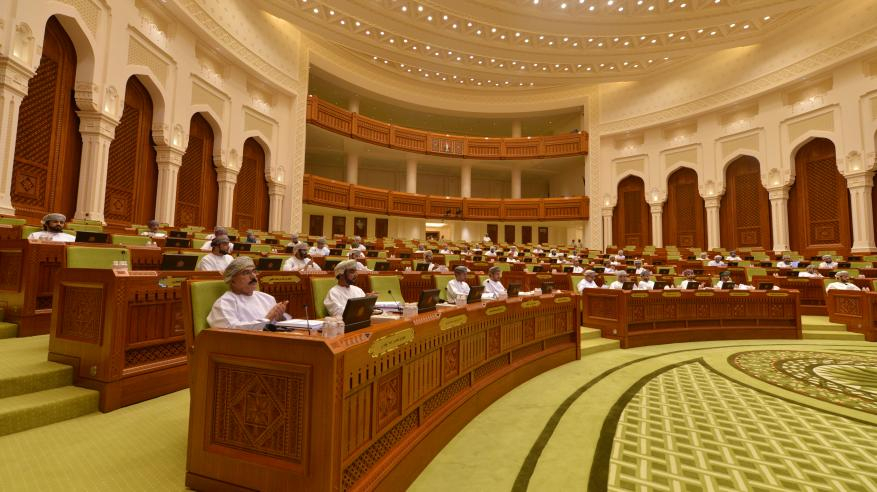 """الشورى يناقش المواد محل التباين حول """"الإحصاء والمعلومات"""" والنظام الخليجي لشركات البريد"""