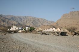 أهالي الطو بنخل يناشدون الجهات المعنية توصيل المياه للمنازل واستغلال مقومات القرية سياحيا