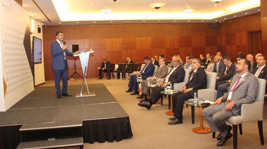الرئيس التنفيذي للحوض الجاف يقدم عرضا مرئيا