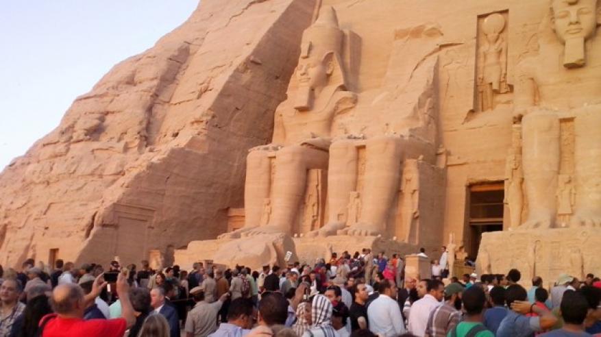 صور-ظاهرة-تعامد-الشمش-على-تمثال-رمسيس-بمعبد-أبو-سمبل-19