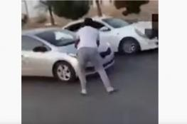 بالفيديو: سعوديان يعترضان سيارة فتاة .. والمجني عليها تكشف التفاصيل