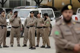 سعودي يروع المواطنين بإطلاق نار من سلاح رشاش