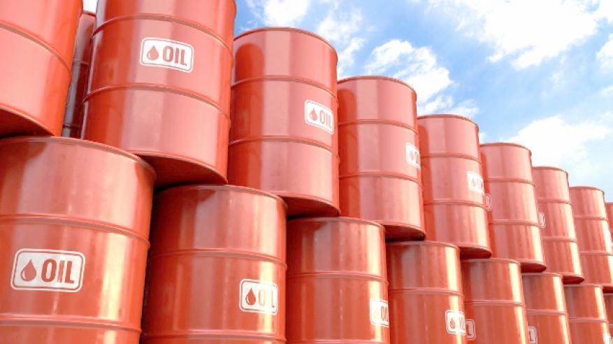 """النفط يرتفع بفضل زيادات متواضعة بإنتاج """"أوبك"""".. والذهب يصعد مع هبوط الدولار"""