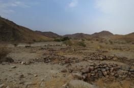 أهالي قرى الجوابر يشكون وعورة طريق الوادي الرابط بين الحوقين والرستاق