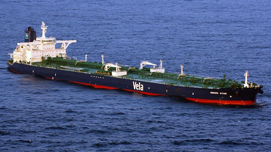 تعليق إرسال شحنات النفط السعودية عبر باب المندب