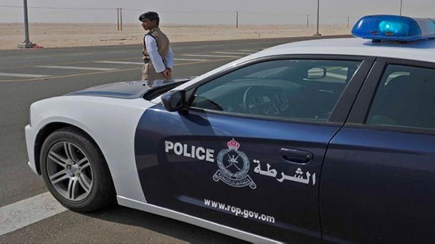القبض على 4 ملثمين بتهمة السرقة بالإكراه بشمال الباطنة