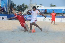 أحمر الشواطئ إلى كأس العالم