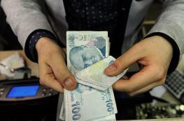 انهيار غير مسبوق للعملة التركية