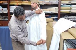 مواطنون: تأسيس صناعة وطنية متخصصة في الزي العماني التقليدي توفر فرص العمل للشباب وتنمي موارد الاقتصاد الوطني