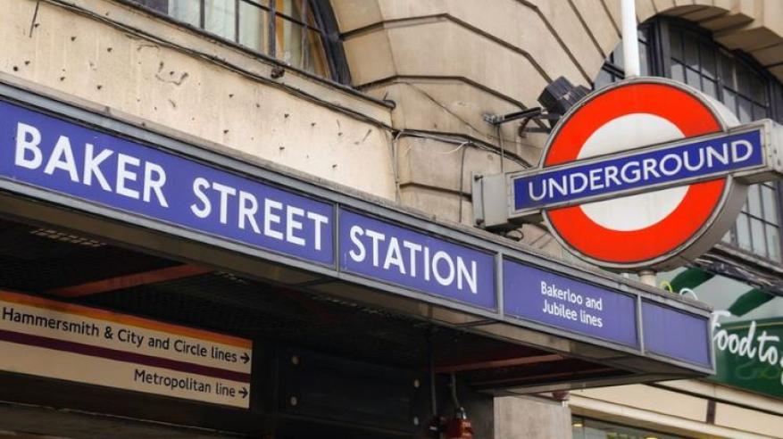 معجزة.. نجاة عائلة رغم مرور قطار فوقها في لندن