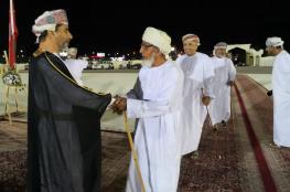 والي الرستاق يستقبل المهنئين بالعيد الوطني المجيد