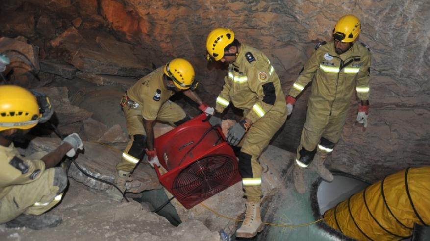 تدخل الفريق لانقاذ شخص من انهيار جبلي بمنطقة الرقم