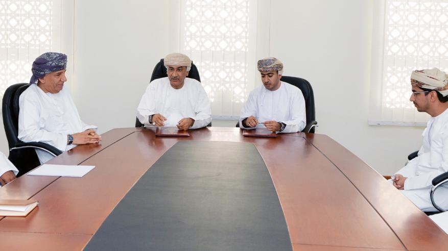 بلدية مسقط تقدم 8 خدمات عبر مراكز سند