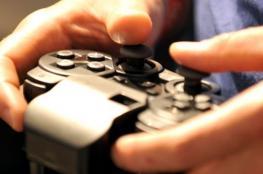 باعتراف الشباب: الواقع الافتراضي بالألعاب الإلكترونية إما ينمي مهاراتنا أو يعوّدنا على العنف