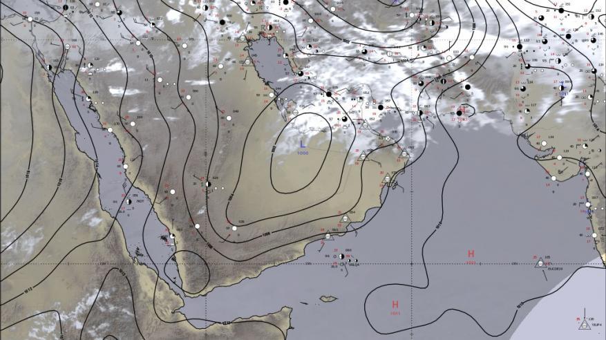 رياح نشطة وتصاعد الغبار وفرص لهطول أمطار على بعض المناطق بالسلطنة