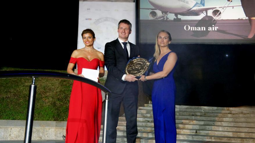 """""""الطيران العماني"""" تحوز لقب أفضل شركة طيران في أوروبا والشرق الأوسط وإفريقيا"""