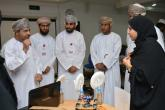 """أمين مجلس التعليم يشيد بدورة """"100 مبتكر عماني"""" ويطلع على المشاريع المنفذة"""