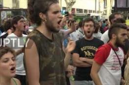 بالفيديو .. مظاهرات في إسبانيا ضد المساجد