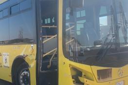 سائق حافلة مدرسية يتوفى أثناء قيادتها وطالب ينقذ الموقف