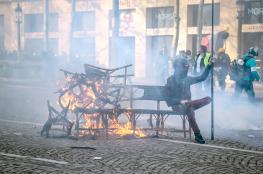 """العنف يخيم على احتجاجات """"السترات الصفراء"""" في فرنسا"""