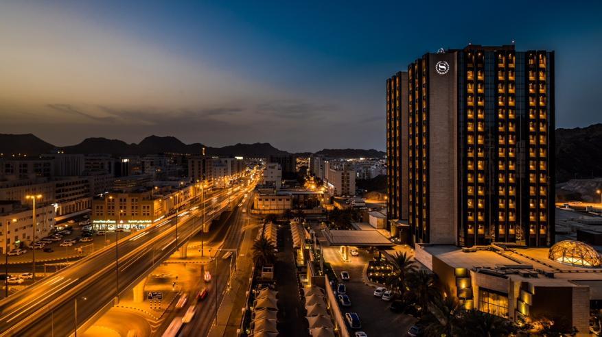 """""""شيراتون عُمان"""" يحصد لقب """"الفندق الرائد في السلطنة"""" ضمن جوائز السفر العالمية 2019"""