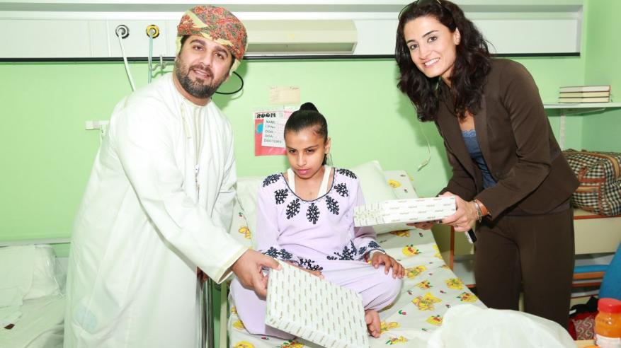 السبلة العمانية تزور الأطفال بالمستشفى السلطاني