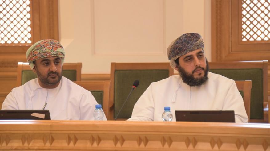 لجنة التربية والتعليم والبحث العلمي تستقبل مختصين من جامعة السلطان قابوس