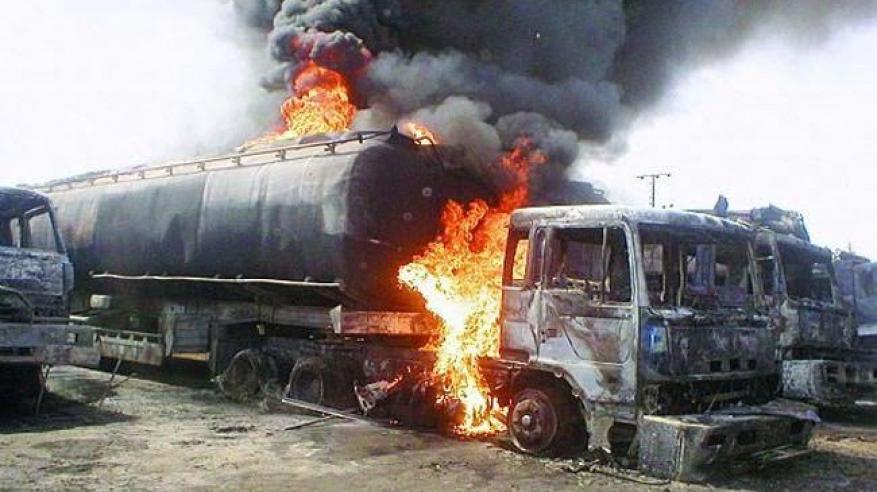 بالفيديو..ارتفاع عدد ضحايا انفجار شاحنة وقود بباكستان إلى 157 قتيلا