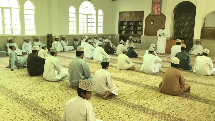 محاضرة حول الاتصال الإنساني بجامع المسفاة