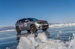 """""""جيب جراند شيروكي"""" أسرع """"إس.يو.في"""" على الجليد"""