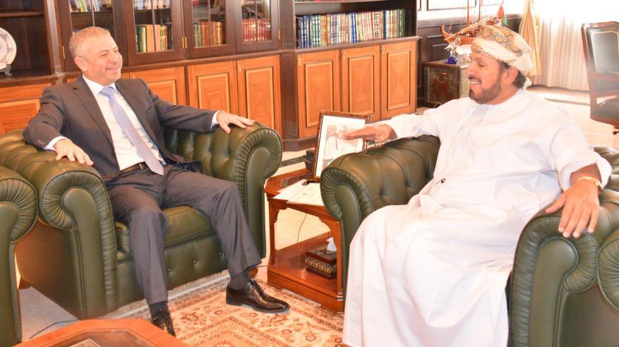 هيثم بن طارق يتلقى رسالة من وزير الثقافة السوري