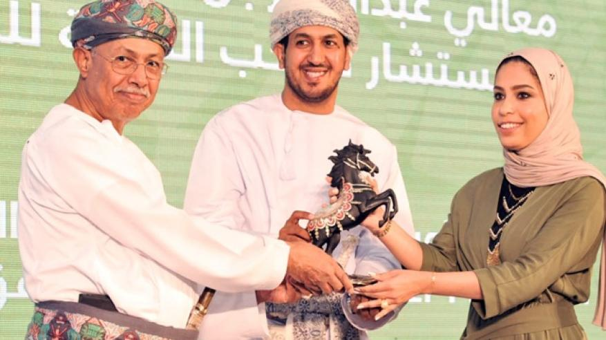 """""""العربي للإعلام السياحي"""" يكرم """"عمانتل"""" تقديرا لإسهامات الشركة في دعم أنشطة القطاع"""