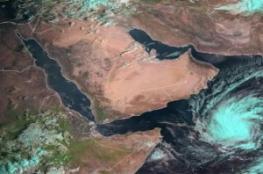 """""""الأرصاد اليمنية"""" تتوقع تحول العاصفة إلى """"إعصار مداري شديد"""""""