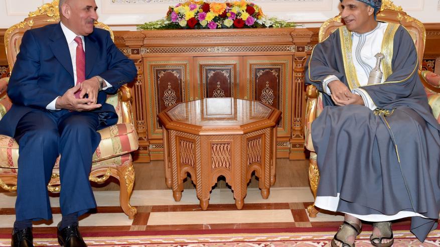 السيد فهد يستعرض مع نائب رئيس الوزراء الأردني مسيرة التعاون المشترك