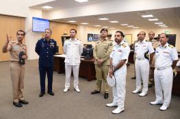وفد عسكري باكستاني يزور مركز الأمن البحري