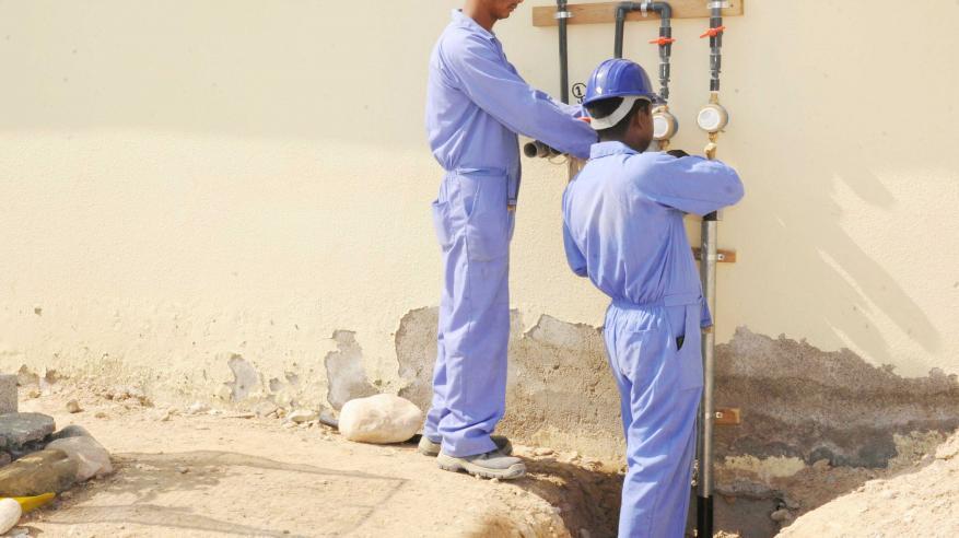 """""""ديم"""" تفتتح عددًا من مشاريع شبكات المياه بمسقط والداخلية"""
