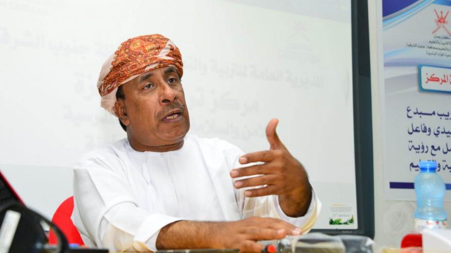 راشد الغيلاني يقدم شرحا عن المشروع