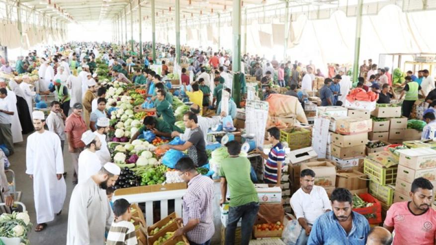 تنظيم دخول المركبات إلى سوق الموالح قبيل عيد الفطر