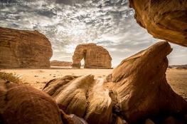 """بالصور.. تعرف على قصة """"الفيل الصخري"""" في السعودية"""