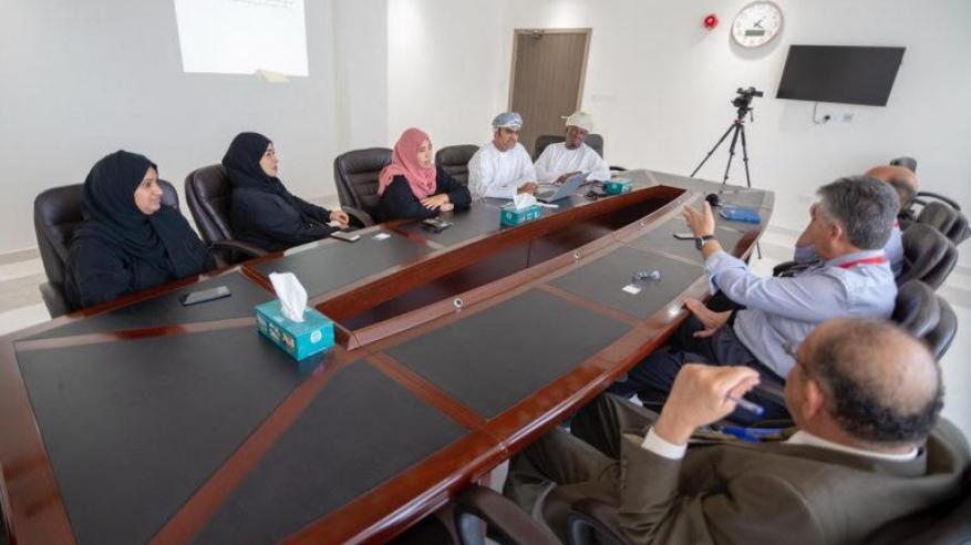 """""""المصنعة الخيري"""" يبحث التعاون مع كلية عمان للإدارة والتكنولوجيا"""