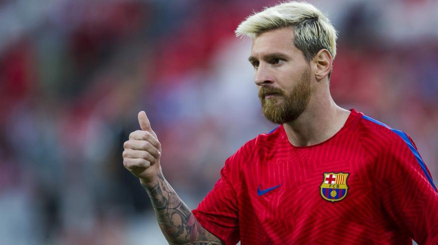 """""""ميسي"""" أفضل لاعب في العالم وفقاً لإختيارات """"عبدالعزيز المقبالي"""" و """"كارو""""!"""